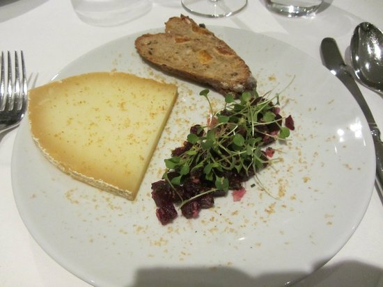 Kitchen W8: Desert: Berkswell cheese with pickled beetroot, rocket and hazelnut