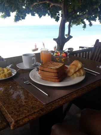 Lamai Wanta : vistas desayunando