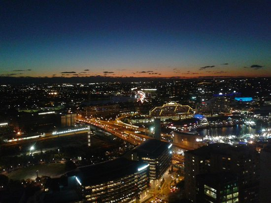 Meriton Serviced Apartments Kent Street : View from 47th Floor towards Darling Harbour