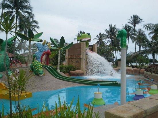 Meritus Pelangi Beach Resort & Spa, Langkawi: Kids pool