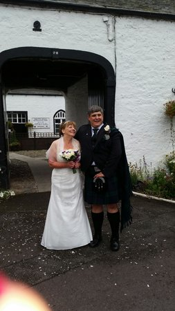 Famous Blacksmiths Shop: Hill Wedding