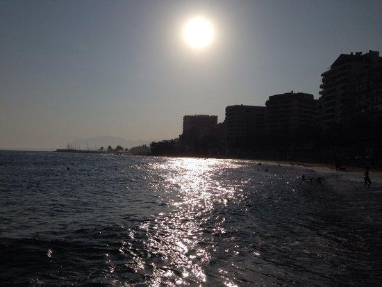 Princesa Playa Hotel Apartamentos : Praia em frente ao Hotel