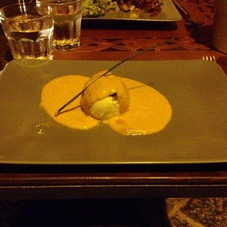 Le Vin de L'assassin Bistrot: Burrata de mozzarelle et son gaspacho