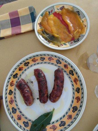 Osteria di Casa Chianti: Salsiccia alla griglia con peperoni al forno