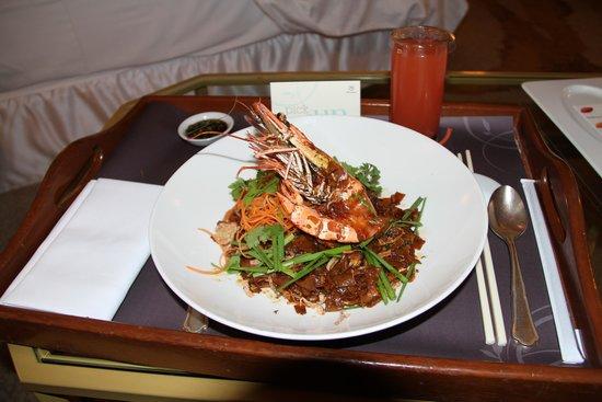 Sheraton Imperial Kuala Lumpur Hotel: Char quai teoh - room service