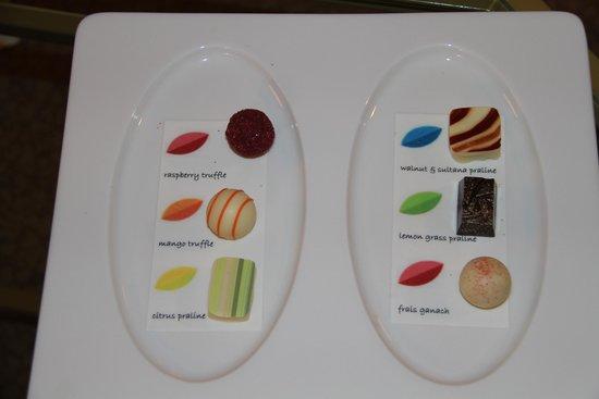 Sheraton Imperial Kuala Lumpur Hotel: Yummy chocolates in room
