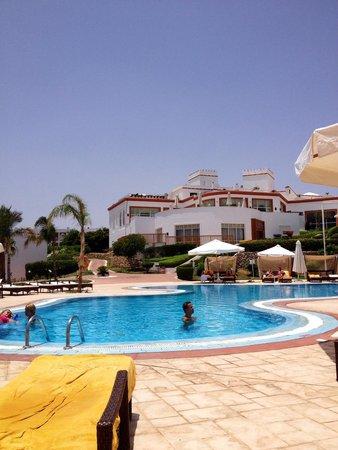 Sunrise Diamond Beach Resort : Adults only pool