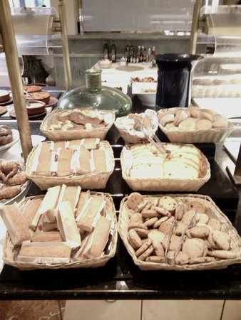 Hipotels Barrosa Garden: buffet desayuno