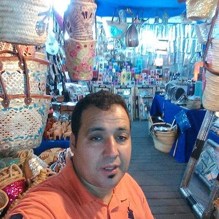 Suq von Marrakesch: chez abdmola a souk cherifia ay dessus de terrasse des epices sidi abdelaziz marrakech