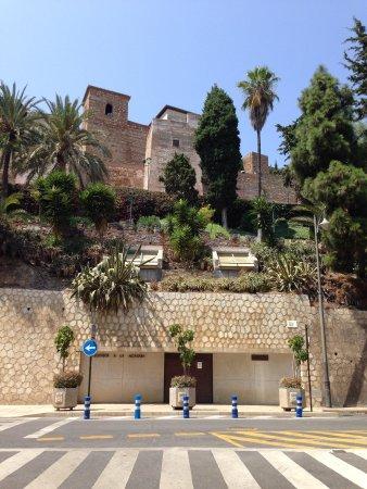 Alcazaba (fort) : Lateral do Alcazaba