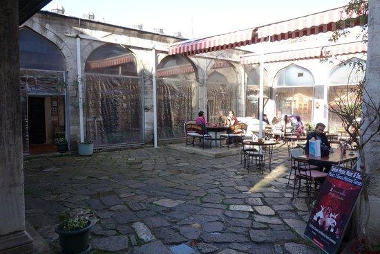 Caferaga Medresesi: cafe