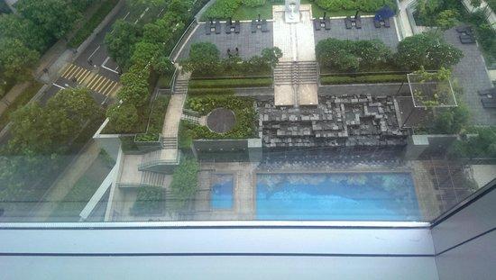 Novotel Citygate Hong Kong: View at the pool