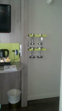 ProfilHotels Central Hotel: Dumbbells in room....Way cool