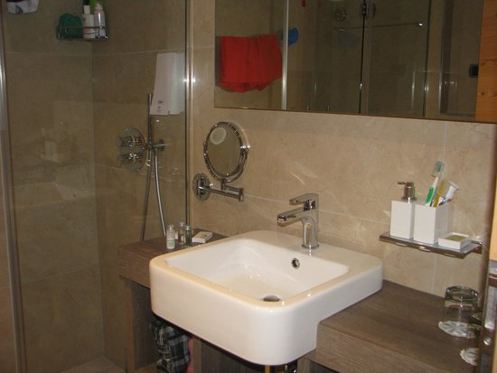 "Family & Wellness Hotel Shandranj : Bagno jr suite ""abete"""