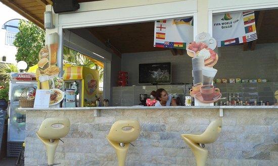 Contessa Hotel: μπαρ-πισίνα