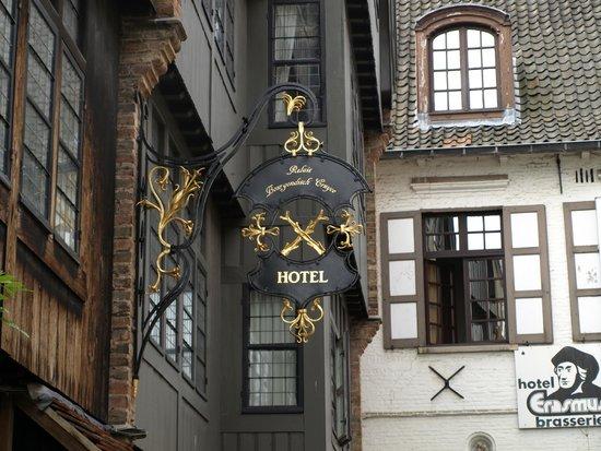 Relais Bourgondisch Cruyce - Luxe Worldwide Hotel: Hotel sign