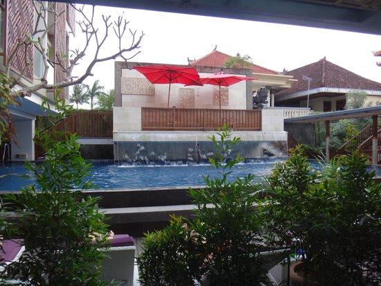 Hotel Horison Seminyak: Ground level Pool