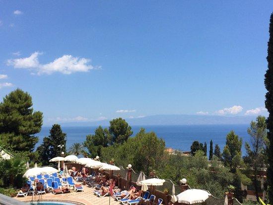 Hotel Ariston: Pool view