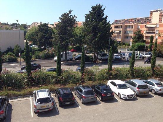 Residence de Vacances Univac Le Capet : Vue chambre parking