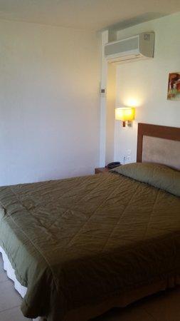 Bella Beach Hotel: room