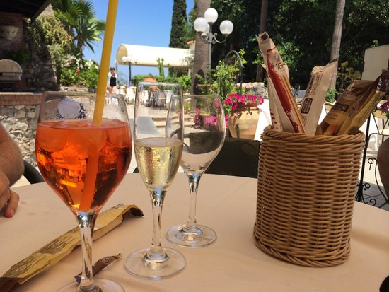 Parc Hotel Ariston & Palazzo Santa Caterina: Aperol spritz!!!! Must try at this hotel :)