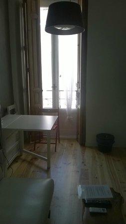 Matute11 Suites: Cucina con sala da pranzo