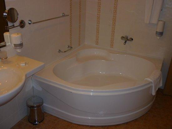 Sol Nessebar Palace : Belle salle de bain