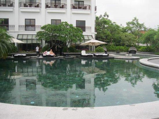 InterContinental Hanoi Westlake : pool