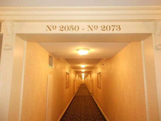 Paris Las Vegas: Hallway