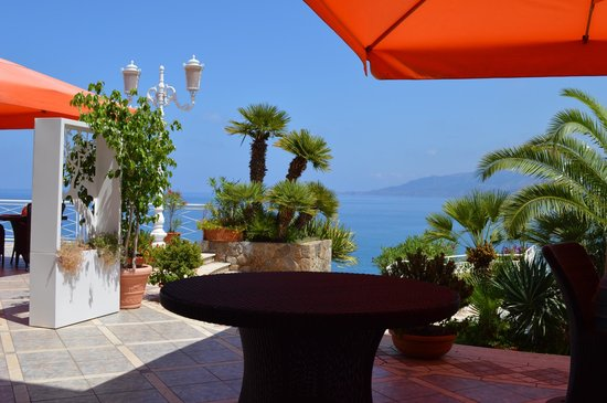 Hotel Kalura: panorama terrazza bar ristorante