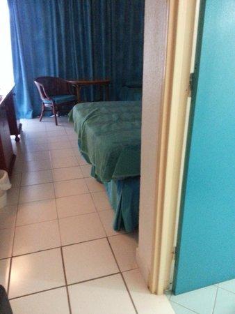 Hôtel Fleur d'Epée : probleme avec le lit