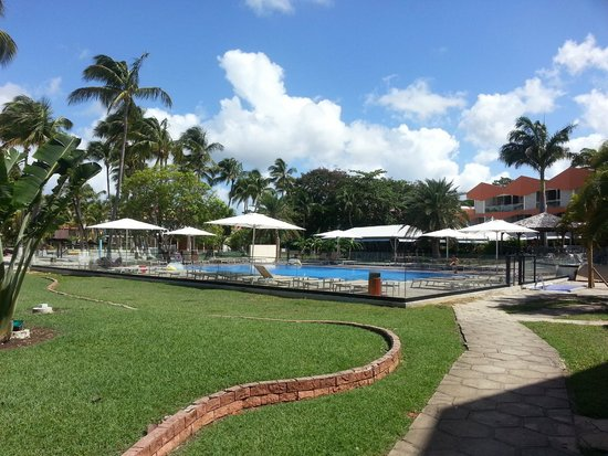 Hôtel Fleur d'Epée : piscine