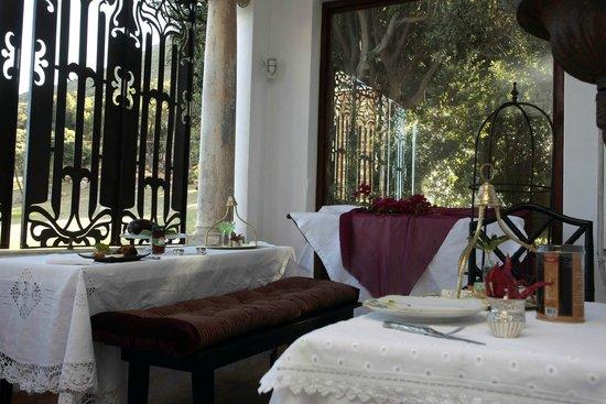 Bella Ev: Ottoman veranda