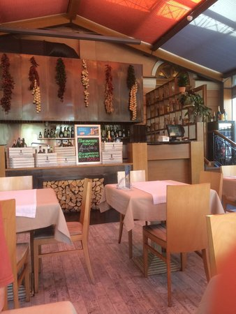Park Dzhuzeppe: The conservatory dining option