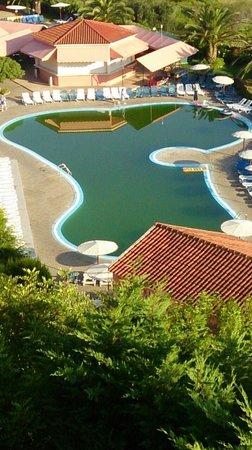 Panorama Sidari: Green swamp they call a swimming pool !!!