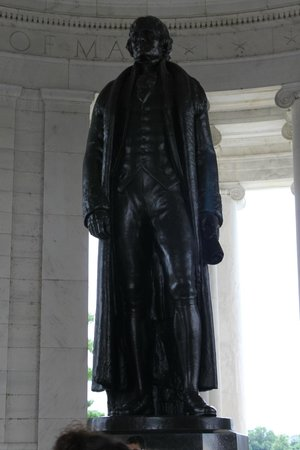 Jefferson Memorial: Estatua de Jefferson
