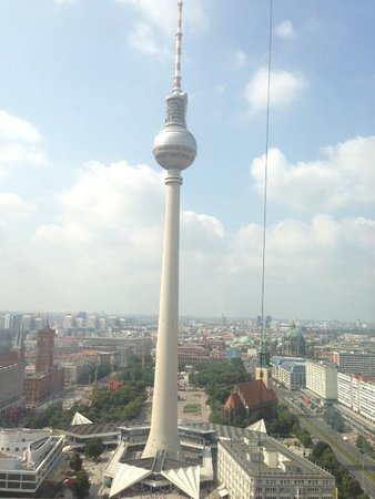 Park Inn by Radisson Berlin Alexanderplatz: TV view from our room 32 floor corner room