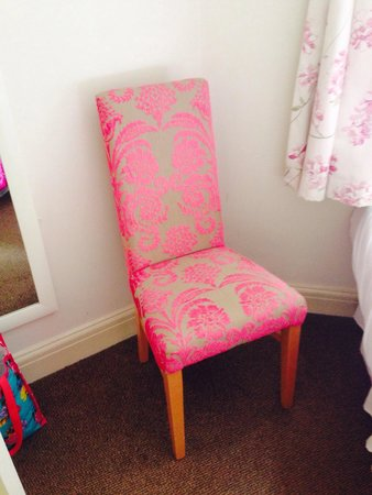 Elgin Hotel Blackpool: Cozy chair in the bedroom' Pity i left it there! Lol