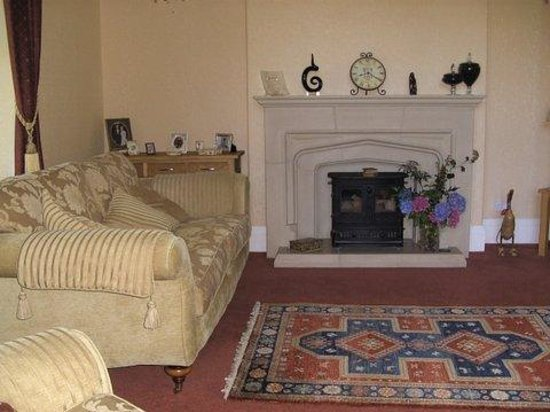 Tan Dinas Country House: Lounge area