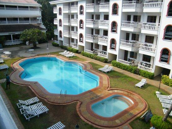 Resorte Marinha Dourada: Pool view from the room.