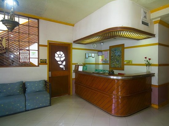 Nature's Pensionne: Lobby and Reception