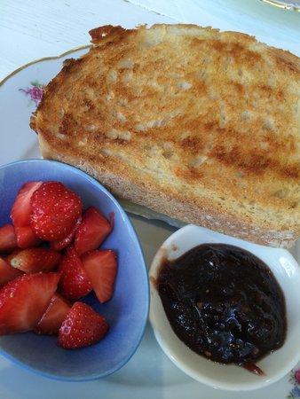 Coffeelicious: Broodje brie met bacon en eigen gemaakte Chili-jam