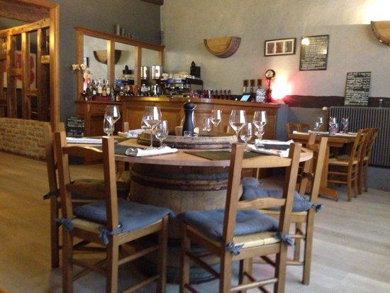 Le Chai: L'interno del ristorante
