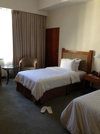 Aryaduta Manado: Kamar hotel