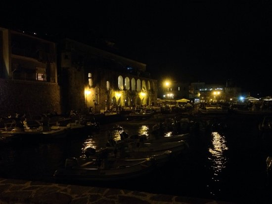 Le Gatte : Jaw dropping at night, amazing spot