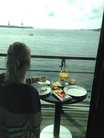 Farris Bad Hotel : Utsikt fra balkongen. Frokost på rommet