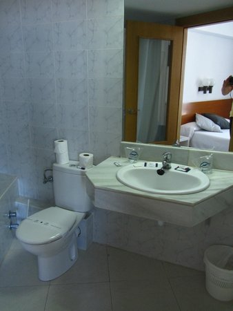 Hotel Amic Horizonte: La salle de bains