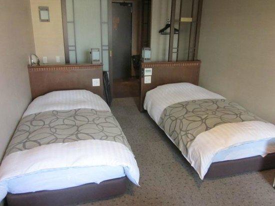 Dormy Inn Premium Otaru: Typical twin room