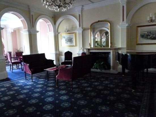 Best Western Royal Victoria Hotel: Piano room