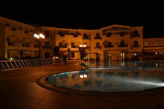 Blu Hotel Morisco Village: Piscine de nuit